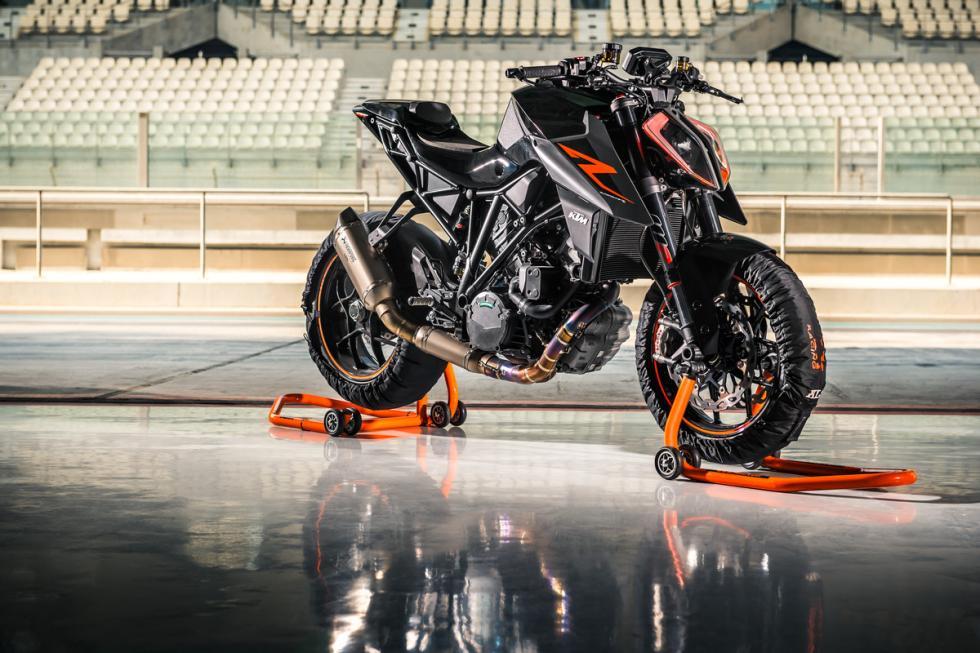 KTM-1290-Super-Duke-R-2017