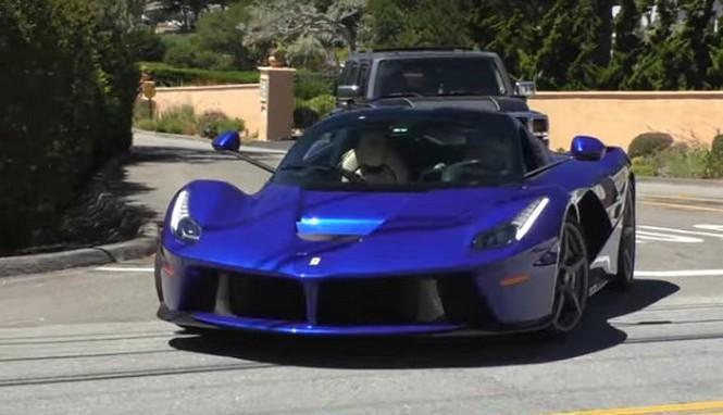 Este es uno de los pocos Ferrari LaFerrari azul eléctrico