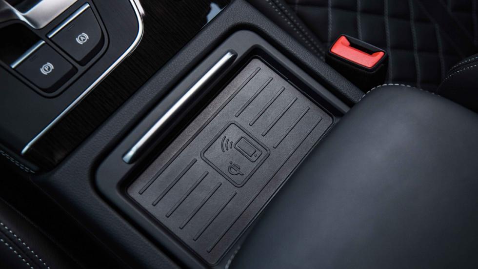 Audi Q5 2017 base carga inalámbrica del móvil