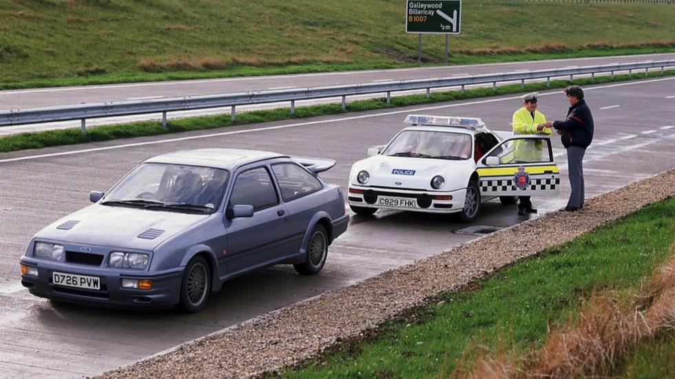 Ford Focus RS vs Ford RS200 1