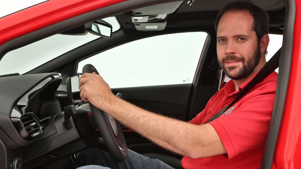 Nuevo-Ford-Fiesta-2017-al-volante
