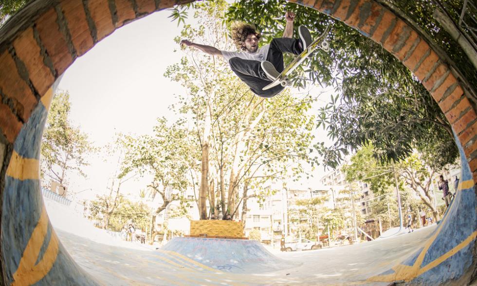 volando birmania skateboar