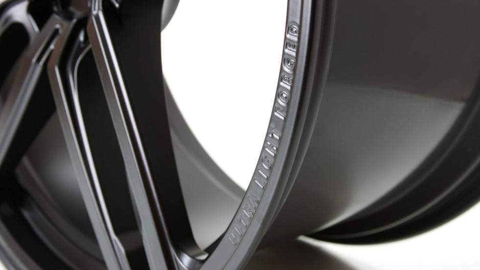 BMW M4 Coupé modificado G-Power detalle llanta