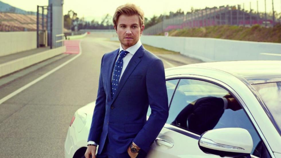 Obviamente, los coches de Nico Rosberg son Mercedes.