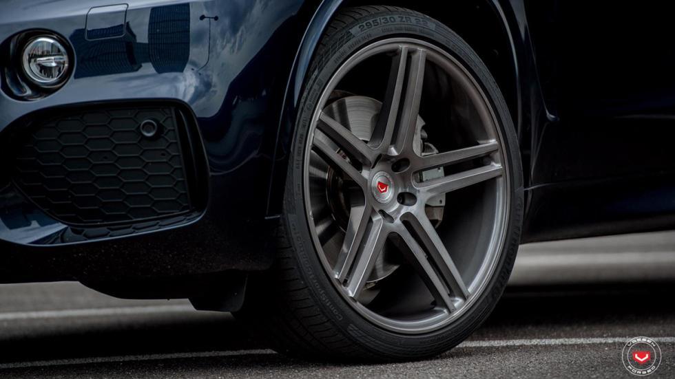 BMW X5 (F15) llantas Vossen detalle