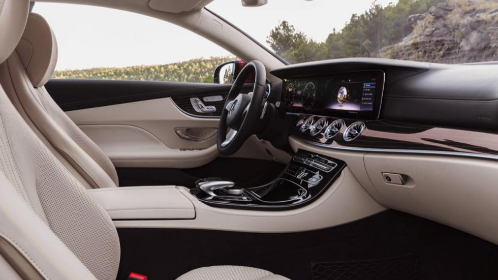 Mercedes Clase E Coupé 2017 interior 2