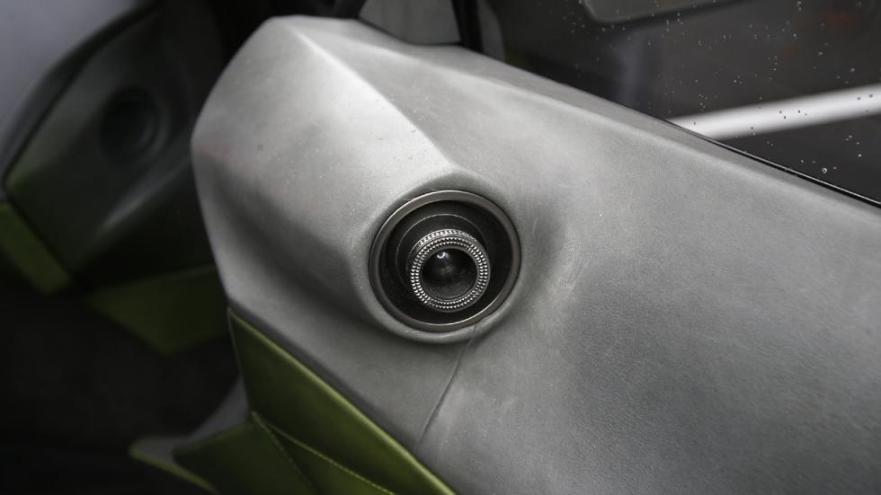 prueba DS E-Tense Concept Madrid detalle salida ventilación