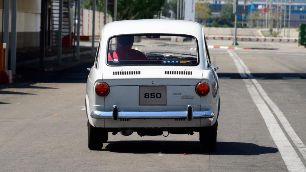 Seat-850-D-trasera