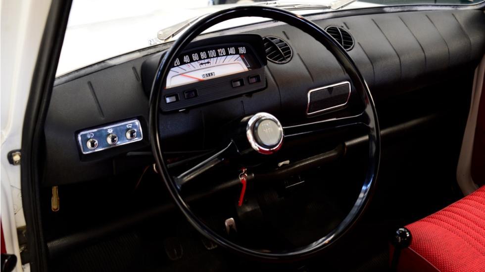 Seat-850-D-Puesto-conducción