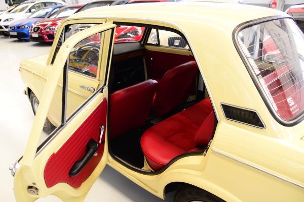 Seat-850-4p-Especial-Lujo-plazas-traseras