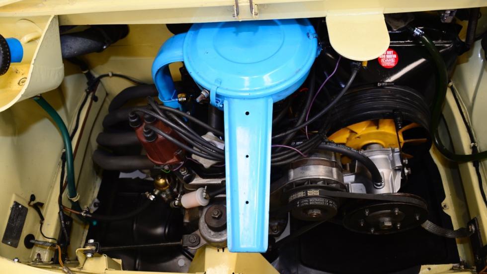 Seat-850-4p-Especial-Lujo-motor
