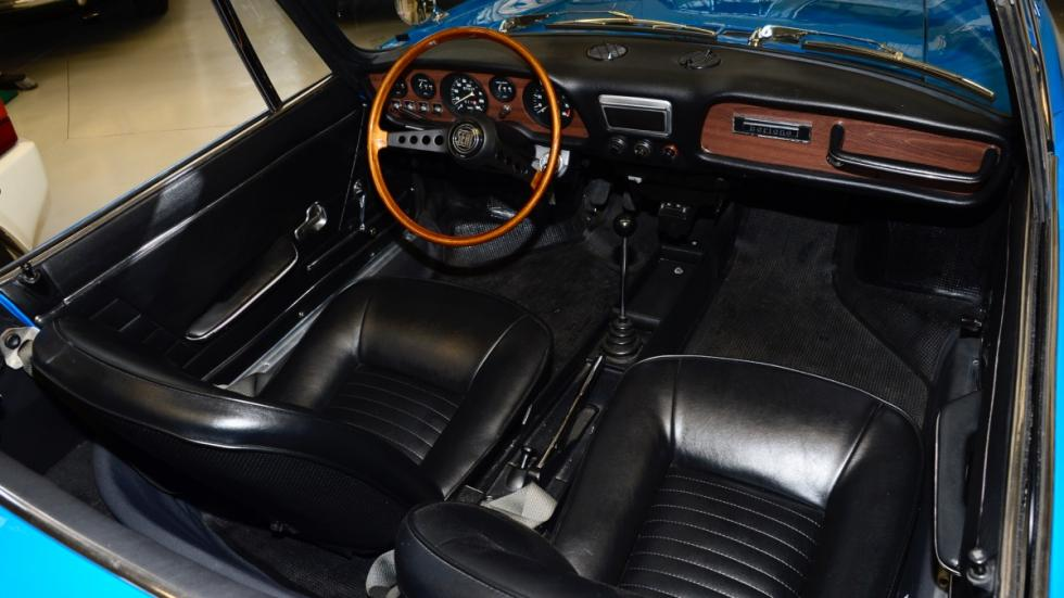 Seat-850-Sport-Spider-interior