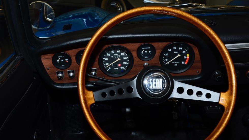 Seat-850-Sport-Spider-salpicadero