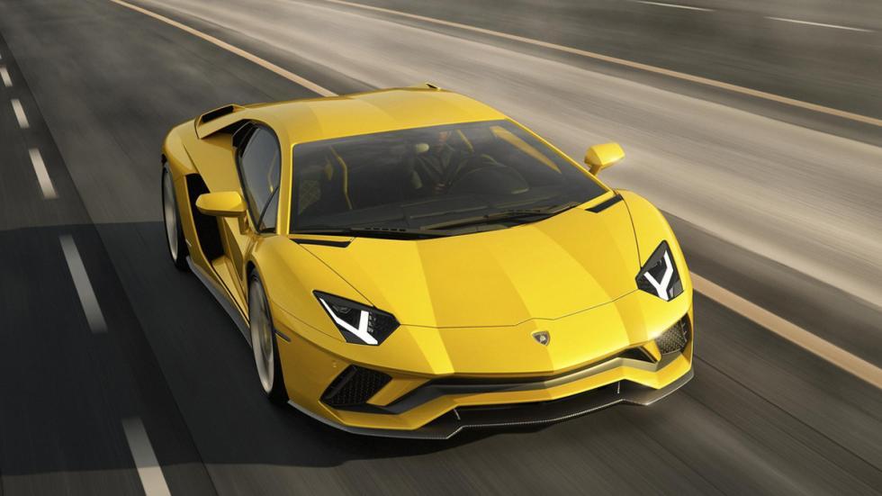 Lamborghini Aventador S delantera movimiento