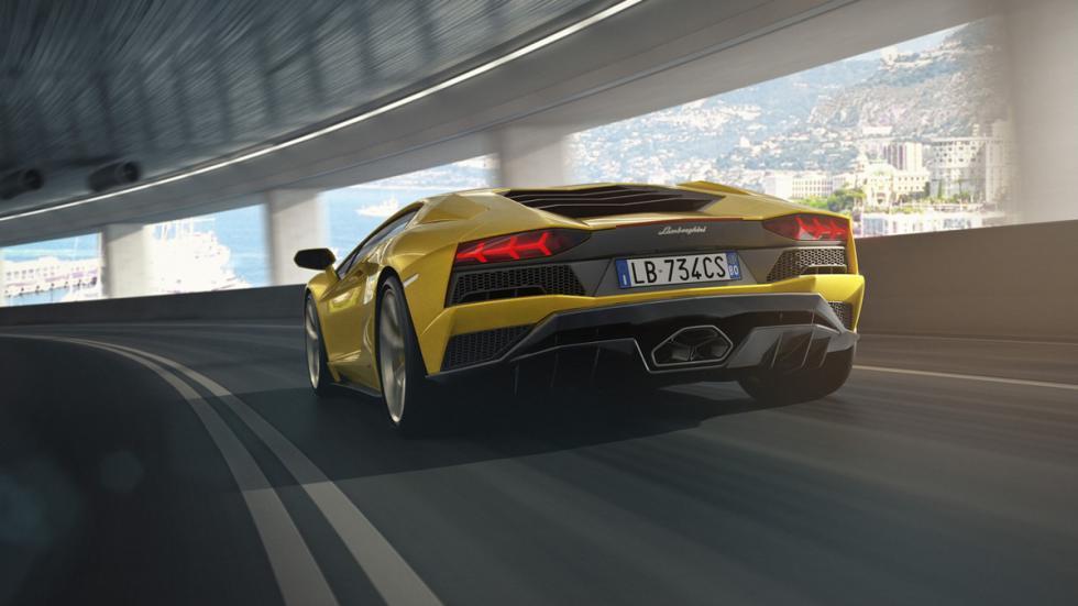 Lamborghini Aventador S zaga
