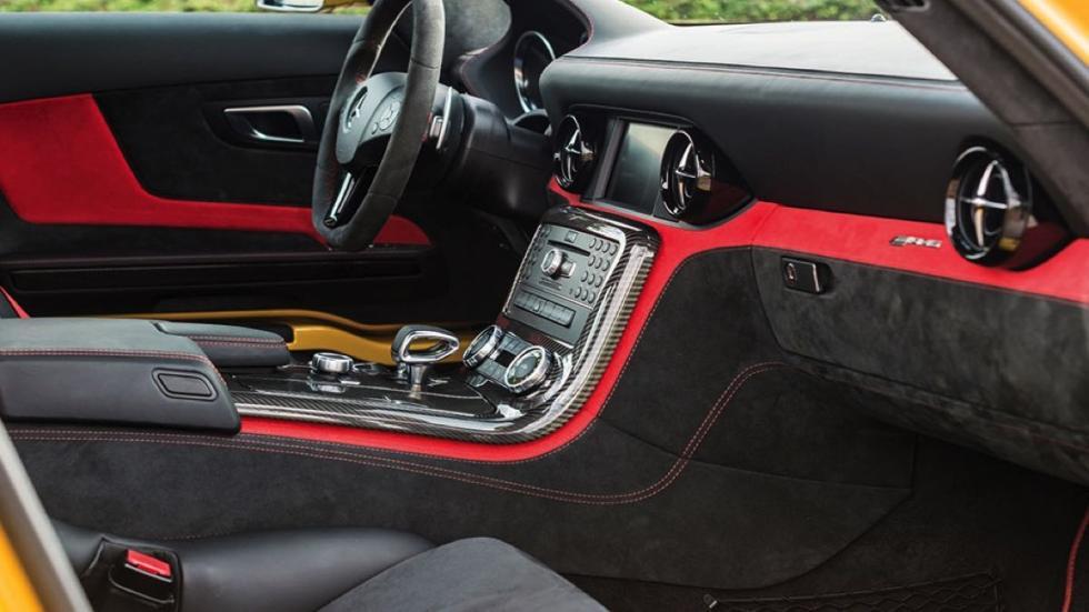 Mercedes SLS AMG Black Series interior