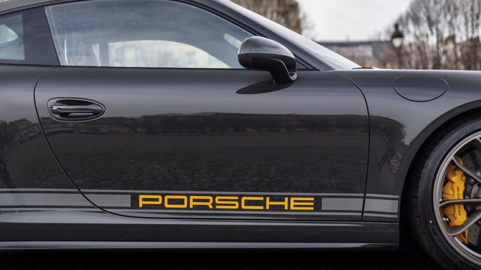 Porsche 911 R logo