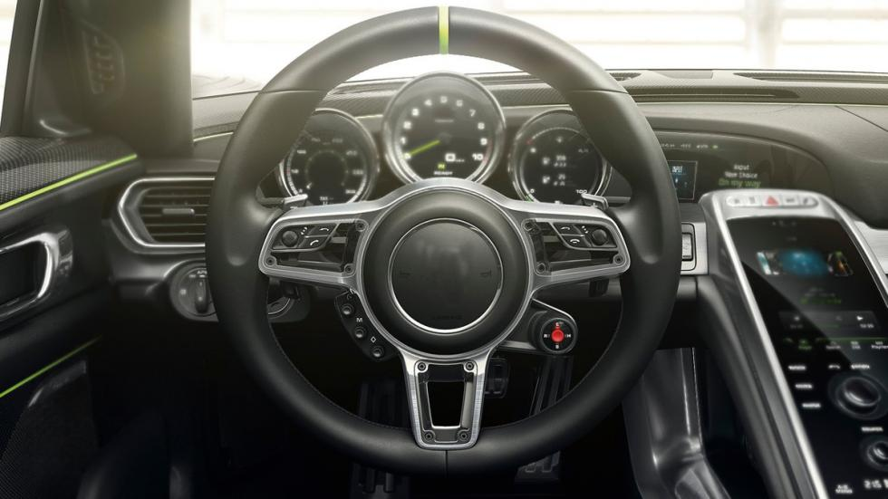 identifica-coches-volante-Porsche-918-spyder