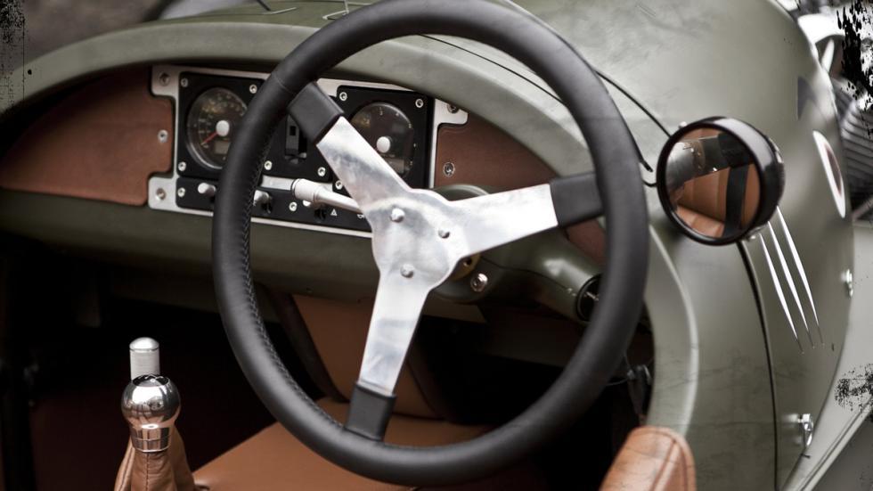 identifica-coches-volante-Morgan-3-wheeler