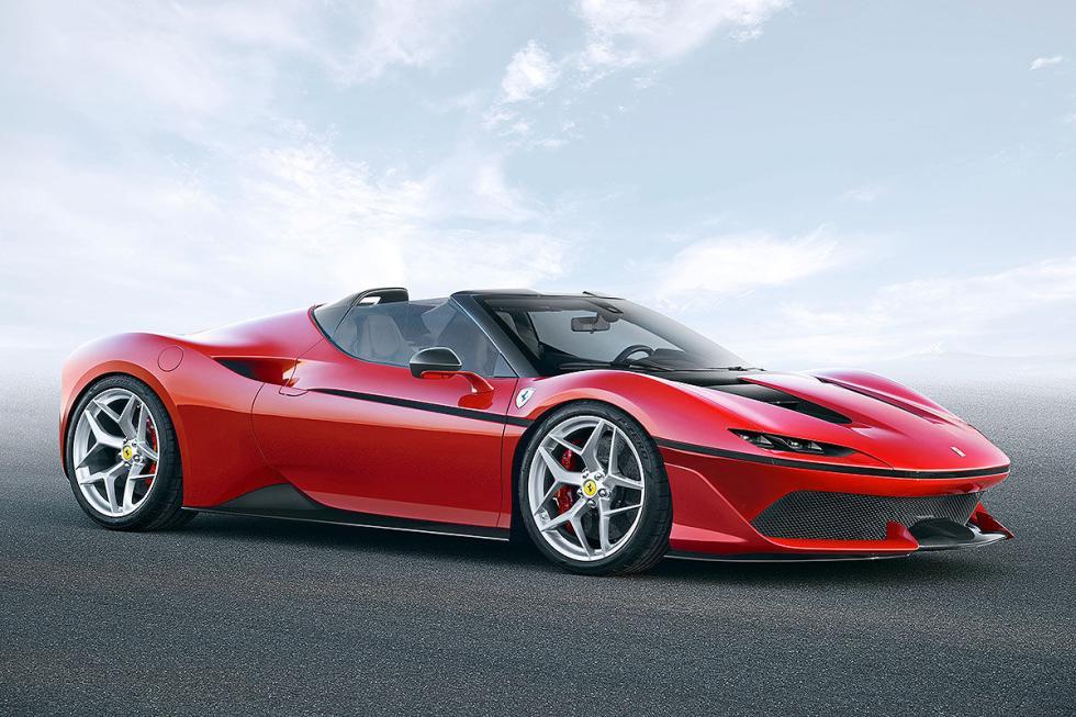 Ferrari J50. En 2017. Basado en el 488 Spider, solo se producirán 10 ejemplares.