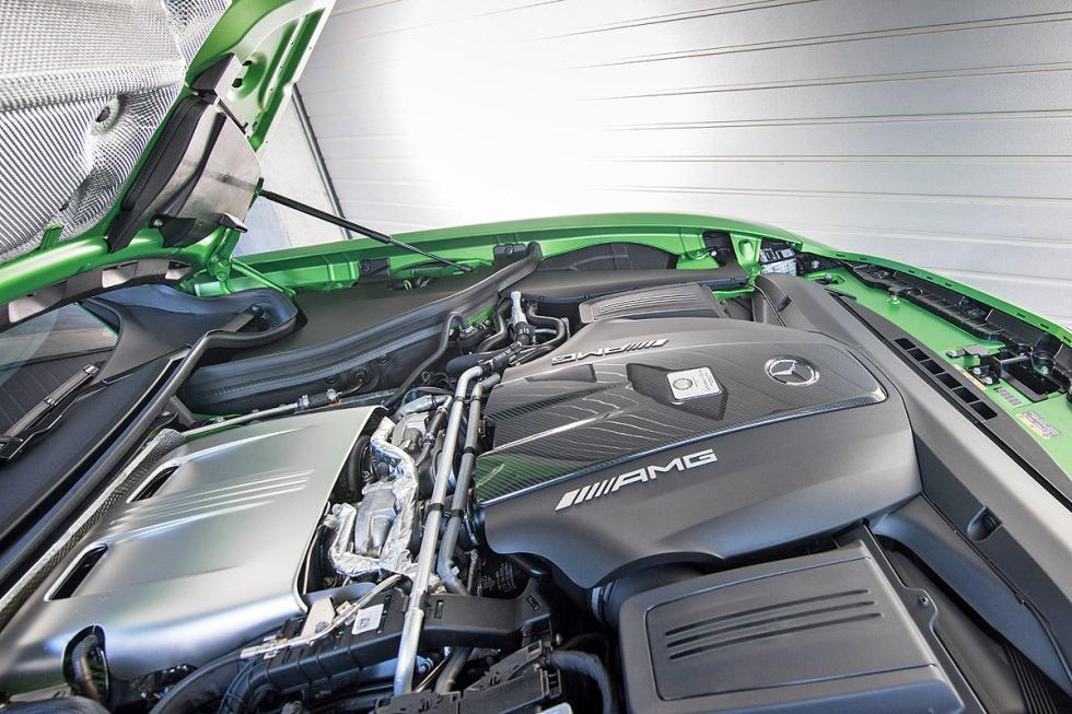 Prueba Mercedes AMG GT R: El misil verde