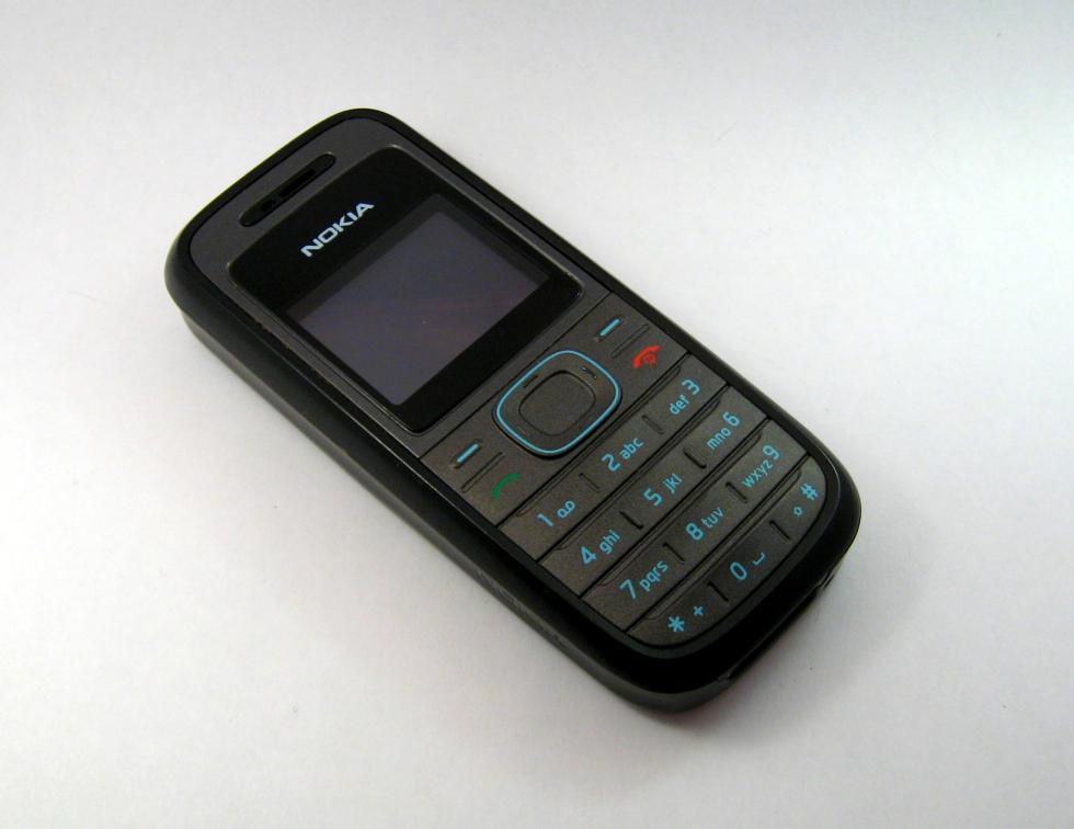 Nokia 1208 | Fecha de lanzamiento: 2007 | Millones de unidades vendidas: 100