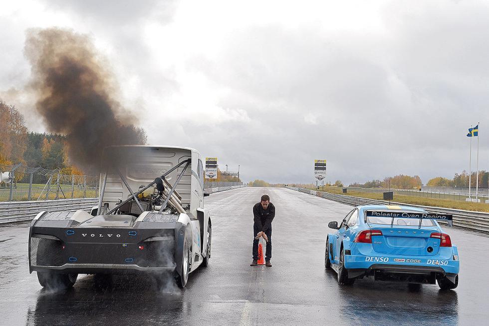 Duelo extremo en Volvo. Coche vs Camión: S60 vs Iron Knight