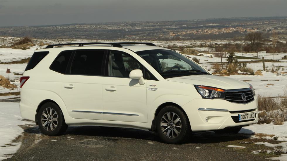 mejores-coches-viajar-invierno-ssangyong-rodius