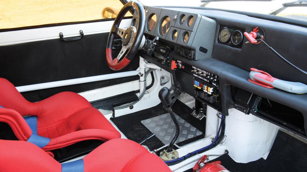 Renault 5 Turbo Grupo B habitáculo