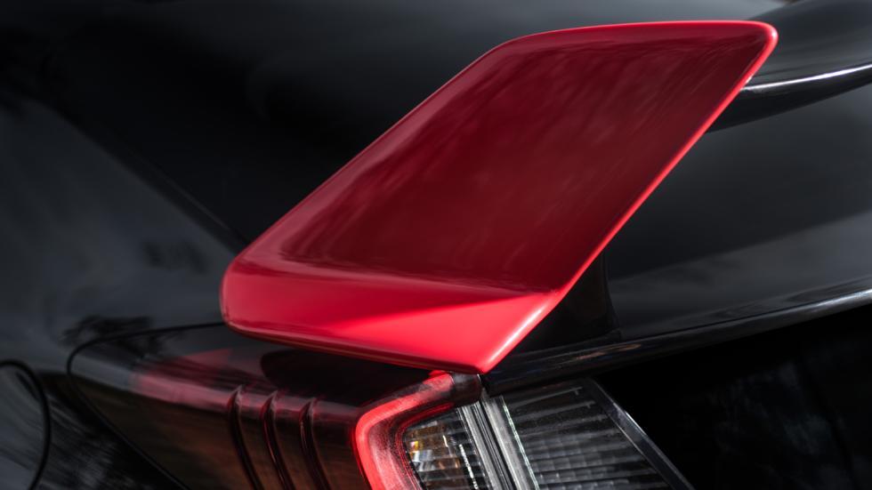 Honda Civic Type R Black Edition detalle alerón