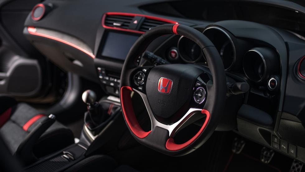 Honda Civic Type R Black Edition salpicadero