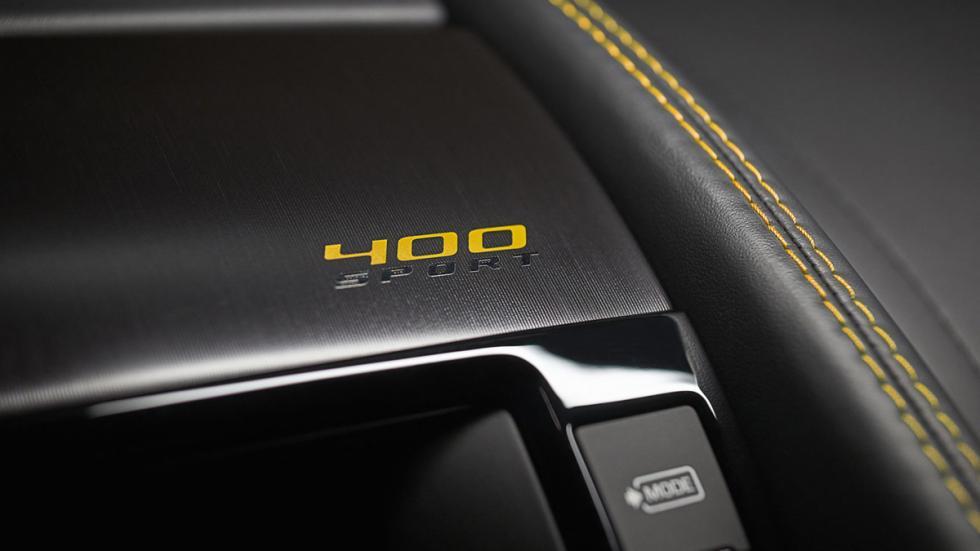 Jaguar F-Type 400 Sport detalle salpicadero