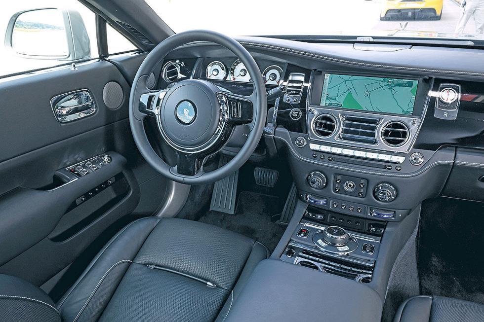 Duelo: Ferrari 488 GTB y Rolls-Royce Wraith de Novitec
