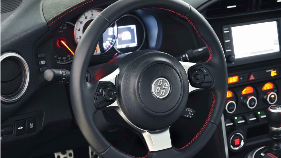 prueba nuevo toyota GT86 2017 detalle volante