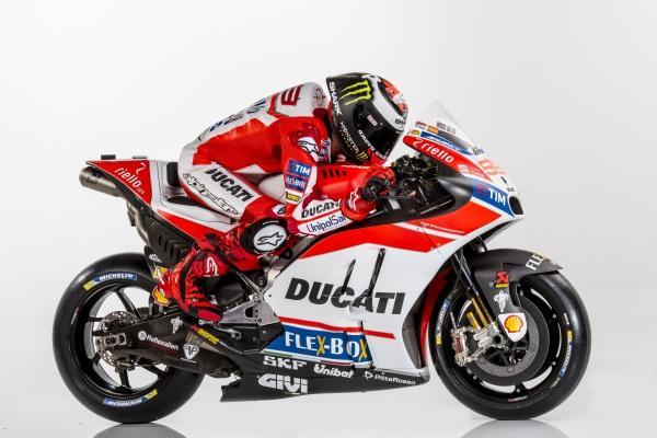 Presentacion-Ducati-MotoGP-2017-4