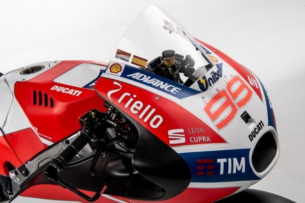 Presentacion-Ducati-MotoGP-2017-5