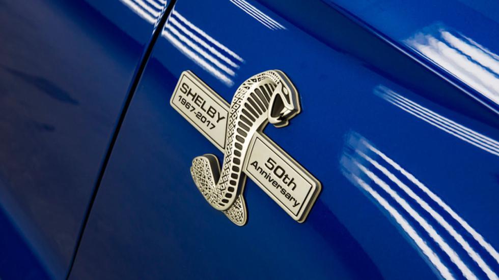 Shelby Super Snake 50 Aniversario detalle logo