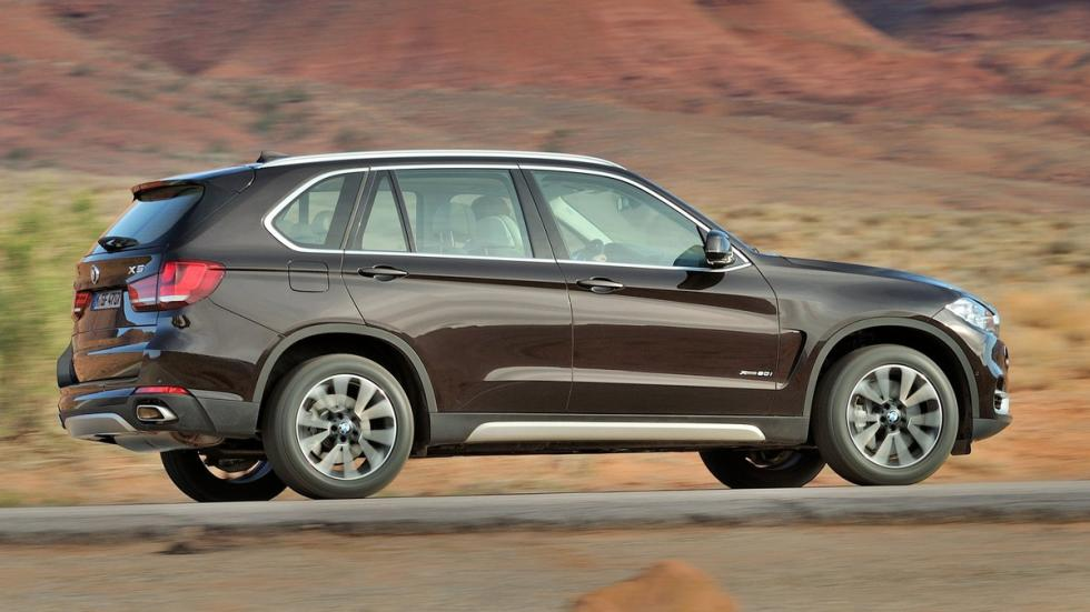 rivales-land-rover-discovery-2017-BMW-X5-zaga