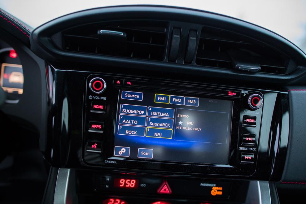 Subaru BRZ 2017 pantalla