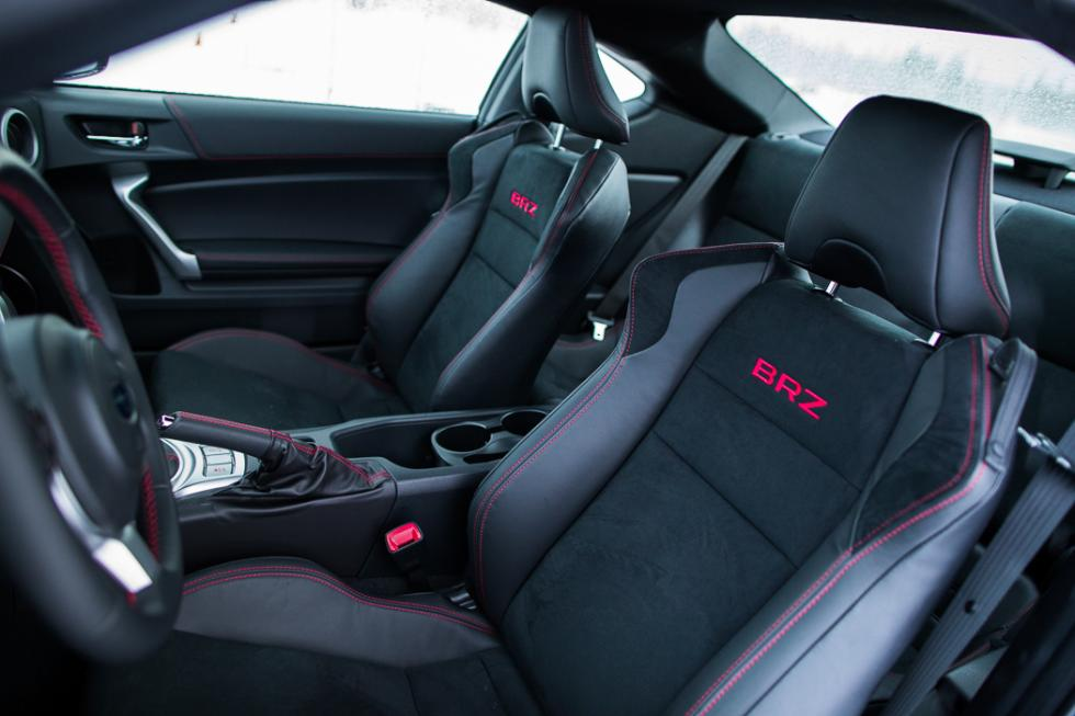 Subaru BRZ 2017 asientos
