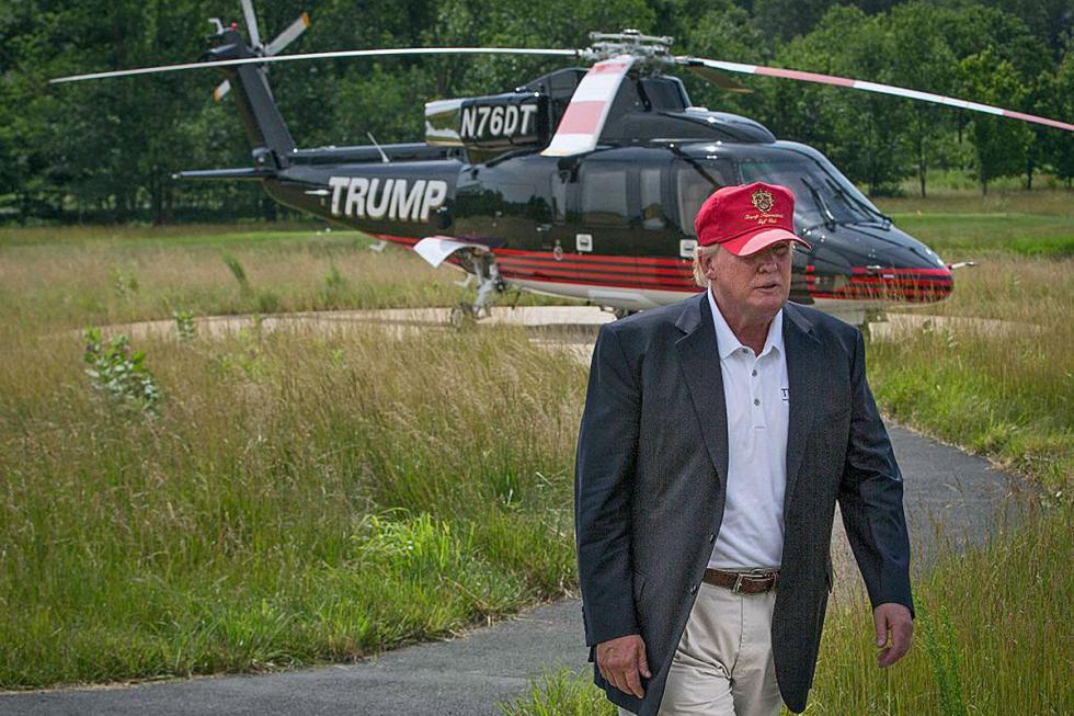 No le falta tampoco un helicóptero.