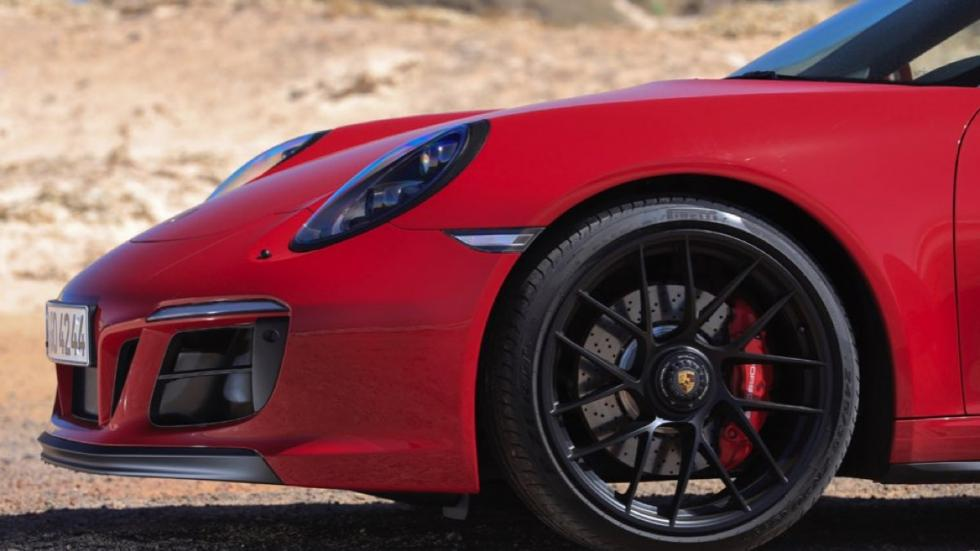 Porsche 911 Carrera GTS Cabriolet 2017 llantas