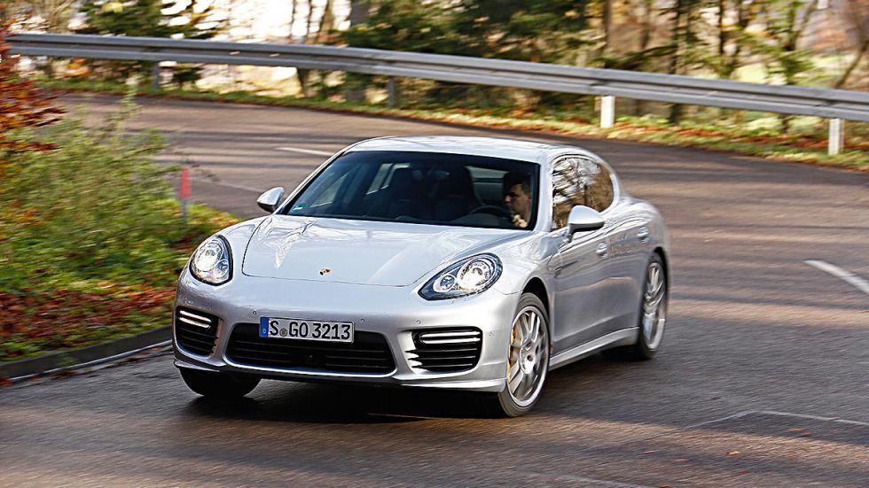 25: Porsche Panamera Turbo. 0-200 km/h: 12,9 s.
