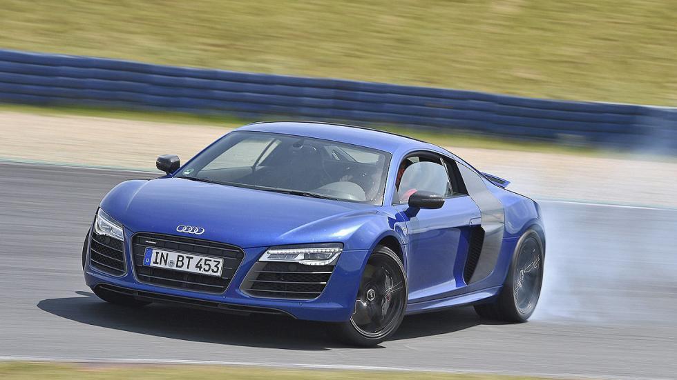 11: Audi R8 5.2 FSI  0-200 km/h: 11,2 s.