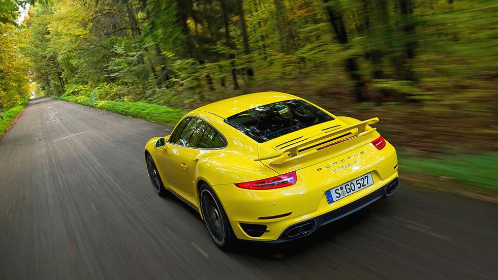 3: Porsche 911 Turbo S. 0-200 km/h: 9,6 s.