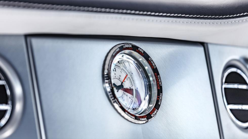 último Rolls-Royce Phantom VII fabricado detalle reloj