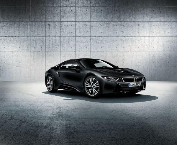 El nuevo BMW i8 Frozen Black Edition, en el Salón de Ginebra 2017.