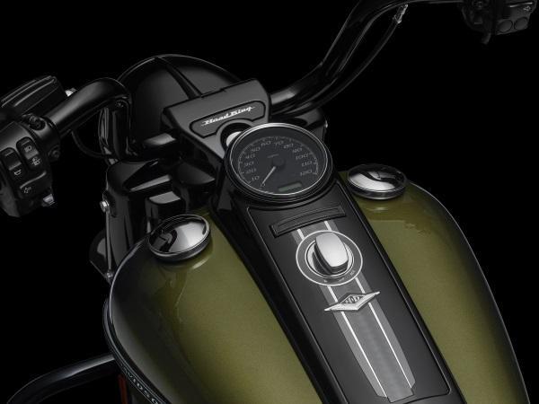 Nueva-Harley-Davidson-Road-King-Special-2017-4