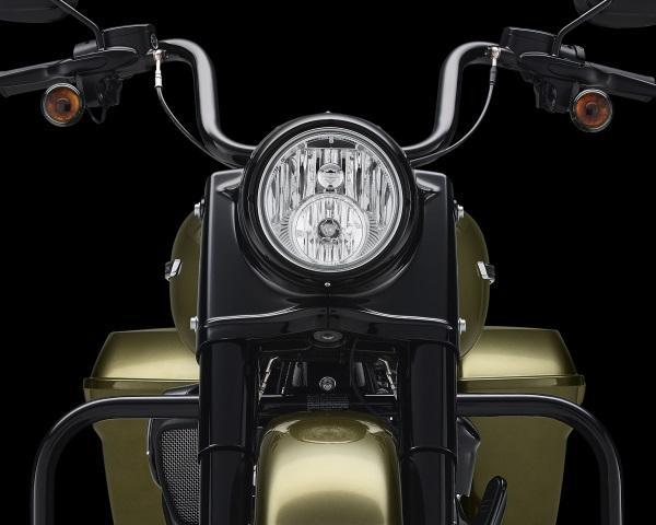 Nueva-Harley-Davidson-Road-King-Special-2017-5