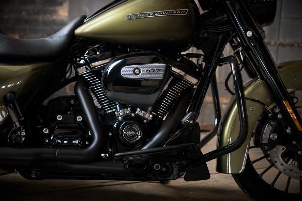 Nueva-Harley-Davidson-Road-King-Special-2017-9